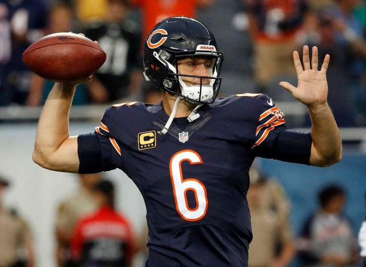 Chicago Bears quarterback Jay Cutler warms up before an NFL football game against the Philadelphia Eagles, Monday, Sept. 19, 2016, in Chicago.