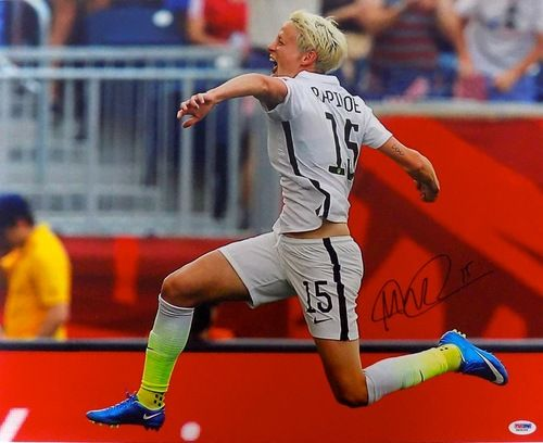 Megan Rapinoe USA Women's Soccer Signed 16x20 Celebrate Photo PSA