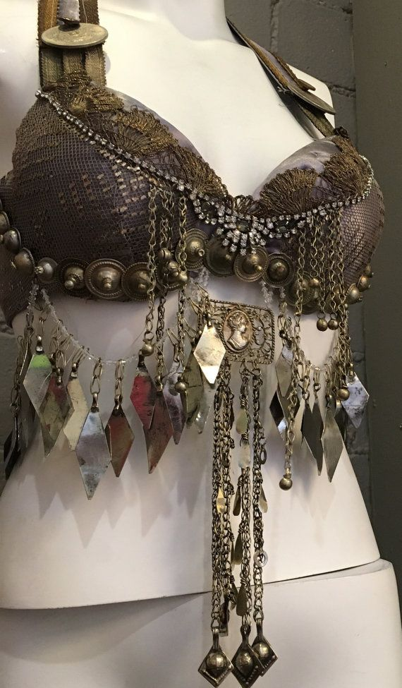 Hey, I found this really awesome Etsy listing at https://www.etsy.com/listing/268872364/assuit-bra-tribal-fusion-bellydance