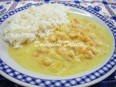 Curry di gamberetti con riso