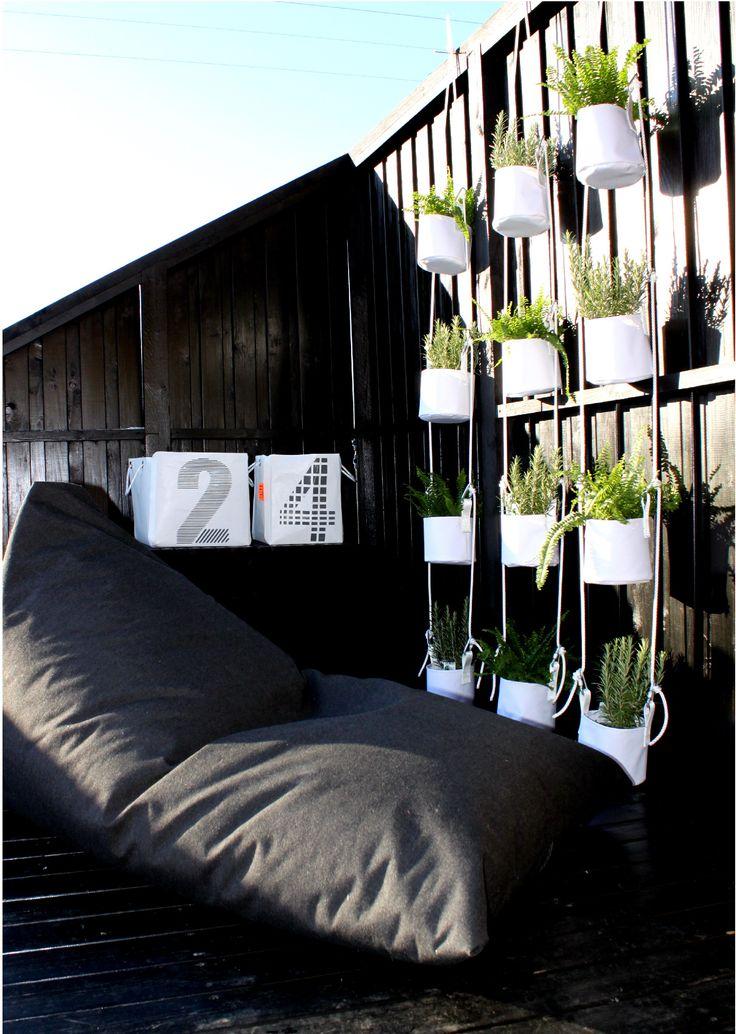 Dekorativ vertikal plomsterpotte for fire blomster (Produktdetaljer) [Fine Design AS]