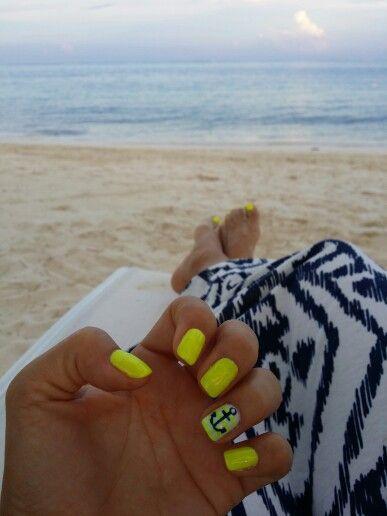 Uñas playa vacion amarillo ancla