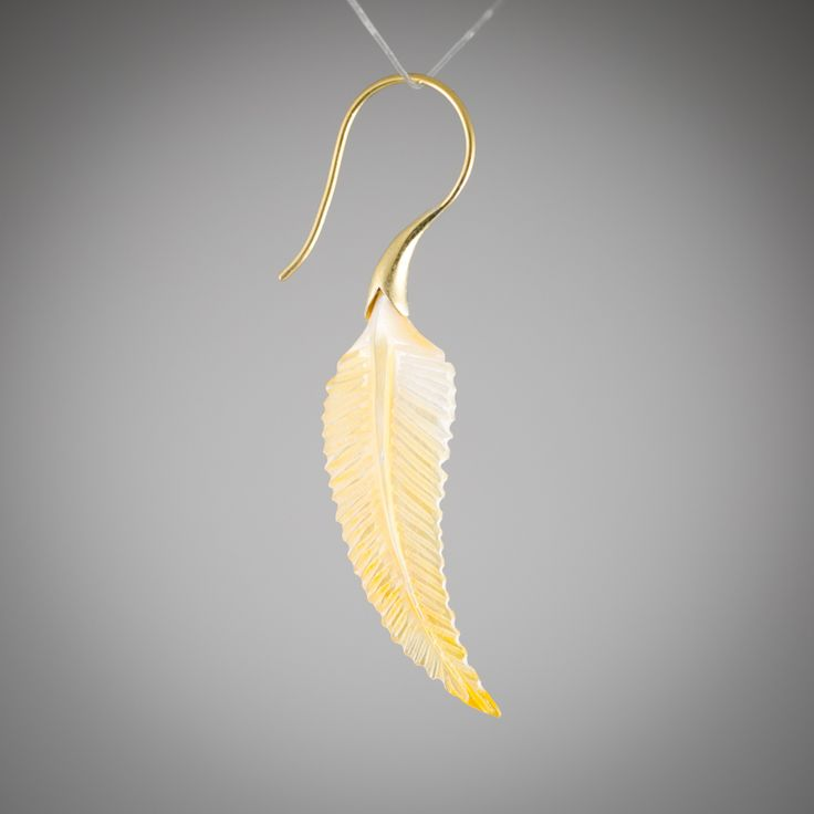 Would love to wear these if I ever got around to getting married - https://www.alloverpiercings.nl/artikel/pulma-messing-hanger-met-parelmoer-paar
