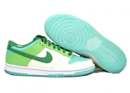 I NEED THESE FOR MSU TAILGATE! WMNS Nike Dunk Low Aisia White/Classic Green-Radiant Green-Azure