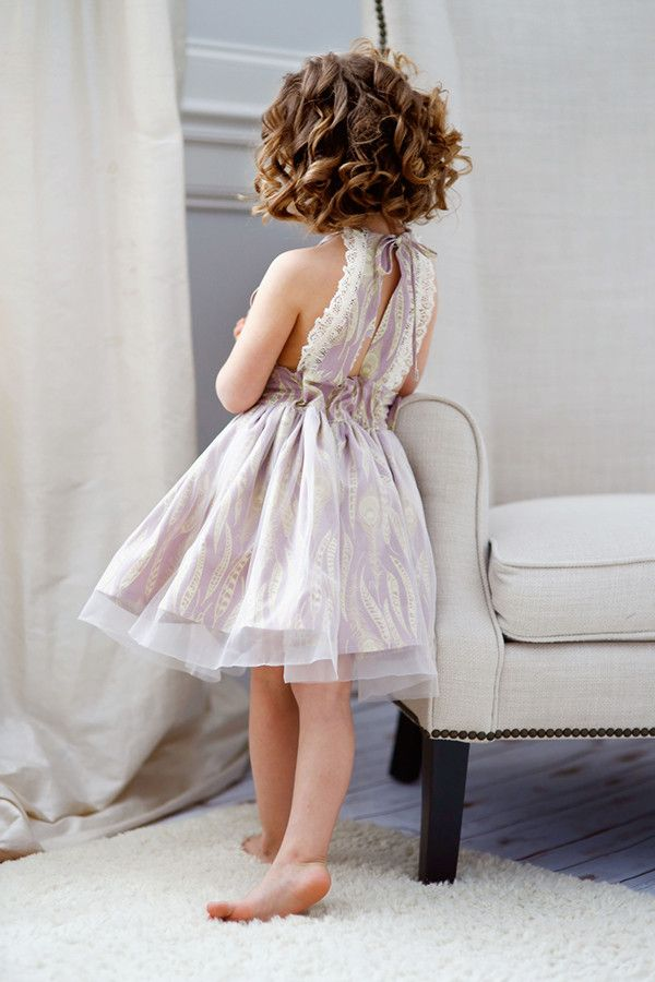 Modelo de refugio vestido del mameluco de coser por VFT