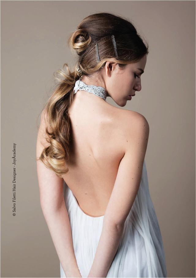 Acconciature sposa capelli lunghi semiraccolti