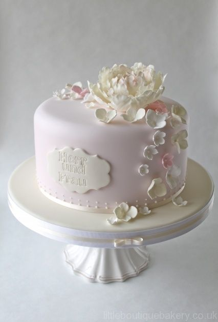 peony wedding cake ideas i just peonies peony cake designs pretty and 18192