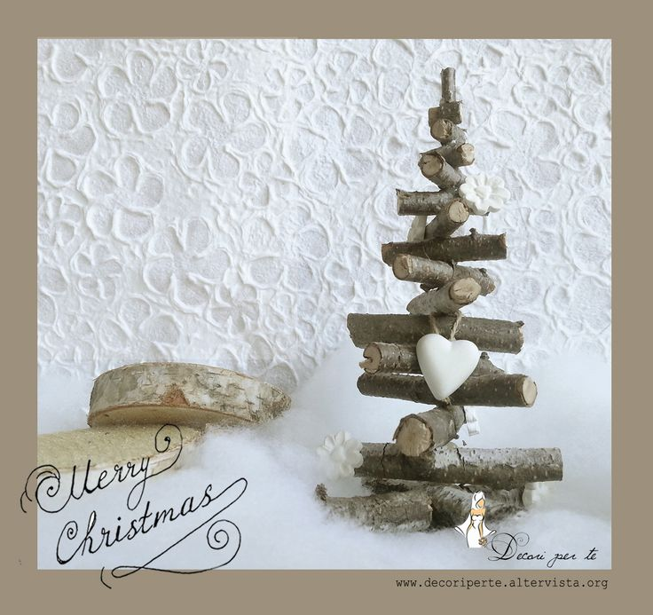 """ALBERI DI NATALE IN LEGNO NATURALE """"NORDIC CHRISTMAS Decor"""" Alberi di Natale in legno naturale, stile Nordico, realizzati a mano, personalizzabili nei dettagli, colori e misure."""