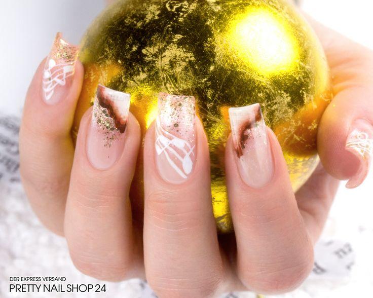 """#trendstyle  #nails #nailart #zeitung   Beim """"Bedrucken"""" Eurer Nägel sind der Fantasie keine Grenzen gesetzt. Egal, ob Comic, Kolumne oder News, ein Naildesign aus Zeitungspapier sorgt ganz sicher für Aufsehen. Viel Spaß beim Ausprobieren!"""
