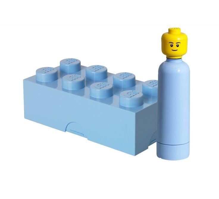 Stoere LEGO brooddoos en drinkbeker in lichtblauw. Leuk voor de LEGO fan! Ook in rood, blauw en roze