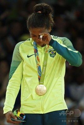 開催国ブラジル初の金メダルは柔道女子 57 キロ級を制したシルバ選手。貧困街出身の選手が国民に夢を与えました。リオデジャネイロオリンピック・リオ五輪2016