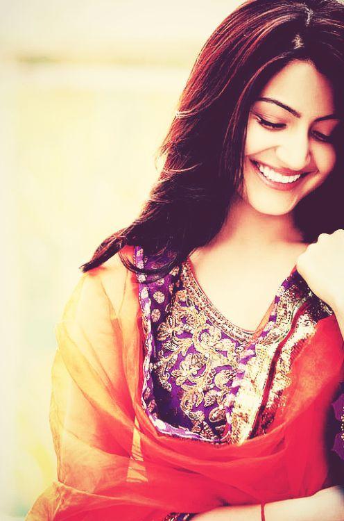 Anushka Sharma smile cute- lj