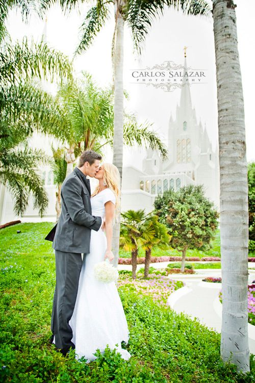 Simple San Diego Temple Wedding Photography LDS Weddings San Diego Temple Carlos Salazar Photography