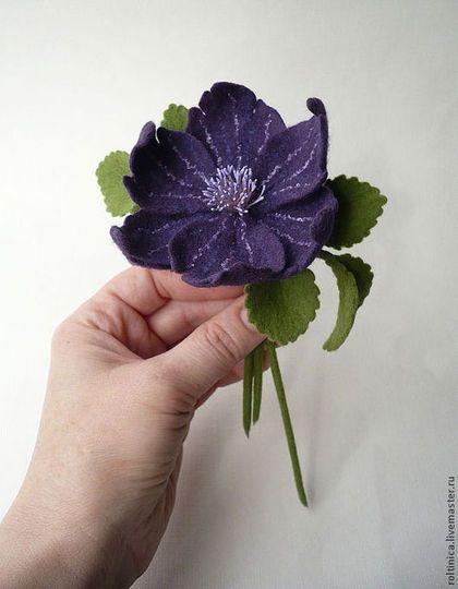 Felted brooch / Броши ручной работы. Заказать Брошь из шерсти «Фиолетовый цветок». Roltinica. Ярмарка Мастеров. Войлочная брошь, брошь, крепёж для броши