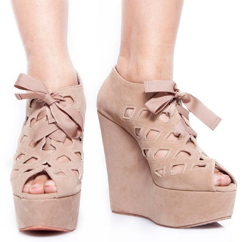 Eight Shoes - Gail Brown Perforated Wedges - Rp. 279.500