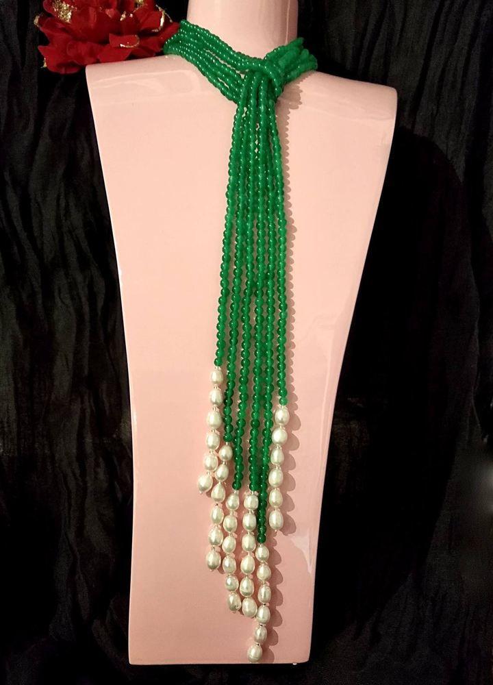 marchio popolare negozio del Regno Unito grande vendita Collana lunga Lariat 3 Fili di Smeraldo che terminano con Perle ...