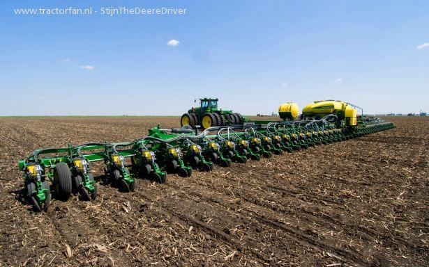 Pin Traktor John Deere 6910 on Pinterest