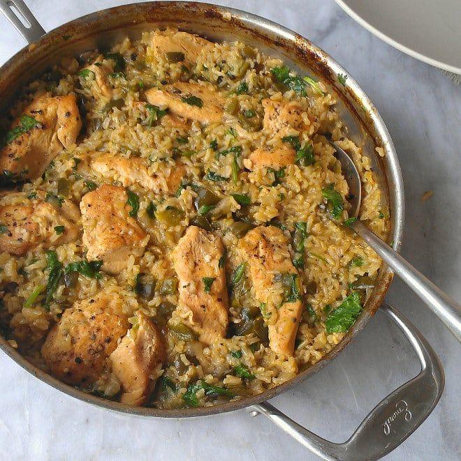 El pollo y el arroz tienen infinitas combinaciones deliciosas, y esta es una de ellas. Consigue la receta aquí.