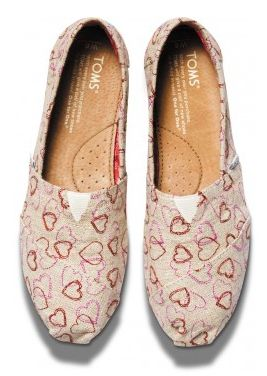 Heart print TOMS http://rstyle.me/~1mDUE