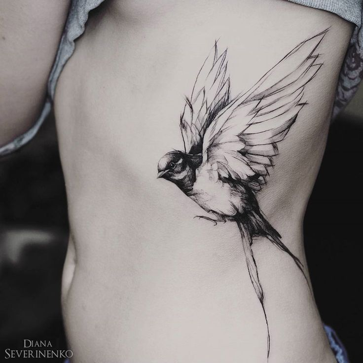Swallow in Flight Woman's Side Piece | Best tattoo ideas & designs