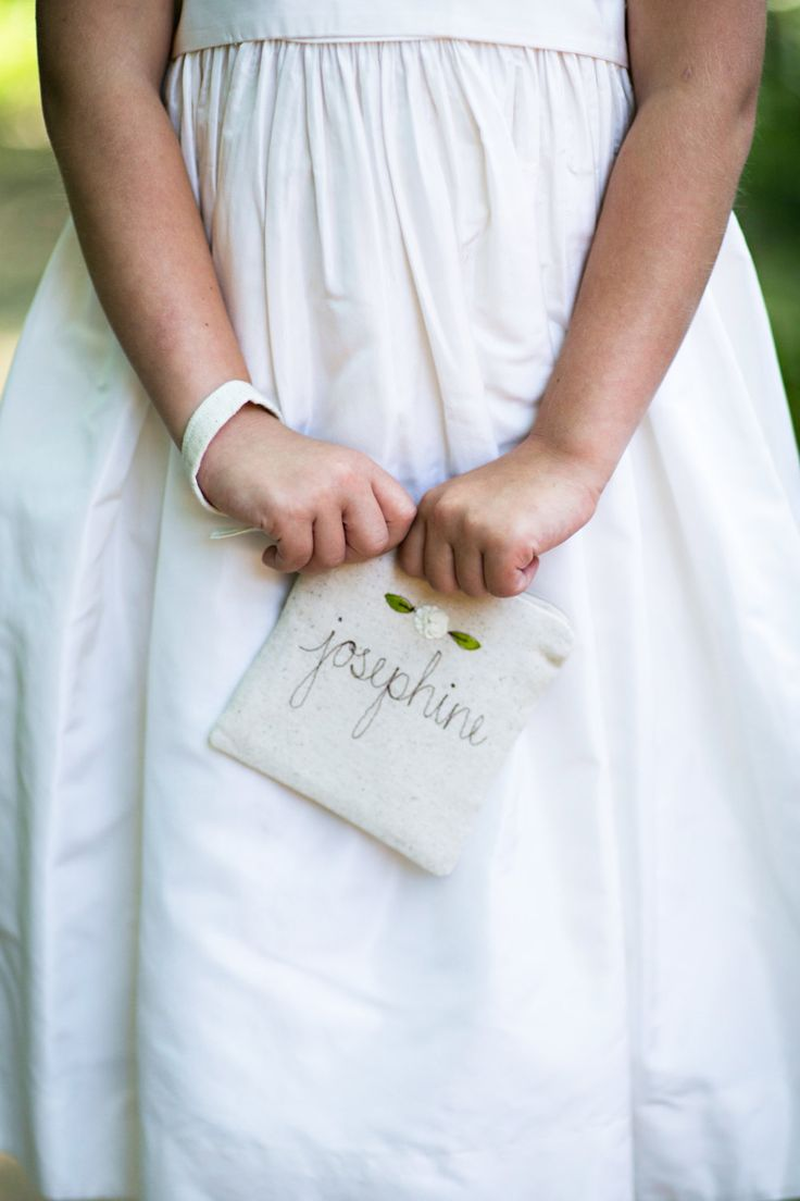 Best 25 gifts for flower girl ideas on pinterest bridal what is a good gift for flower girl or junior bridesmaids to receive i have one flower girl and two junior bridesmaids dhlflorist Image collections