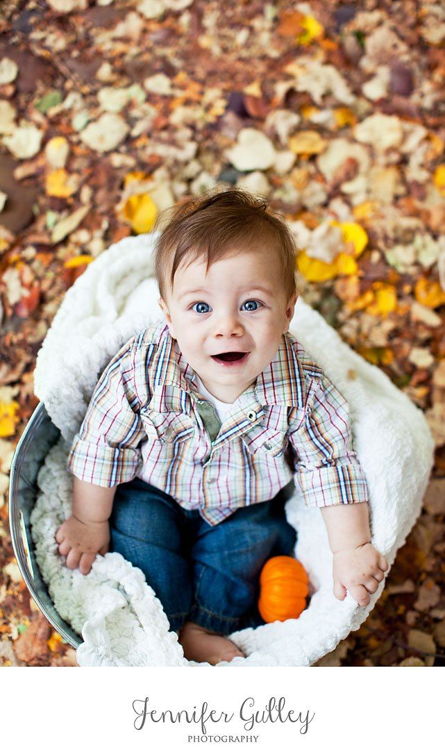 #fall #baby #family photography | Alexandria Family Photographer http://www.jennifergulleyphotography.com/alexandria-family-photographer/