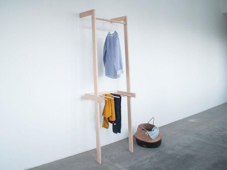 Minuuk - Stiller Diener Gero • • #design #holz #shopping #minuuk #garderobe #wohnen #einrichtung
