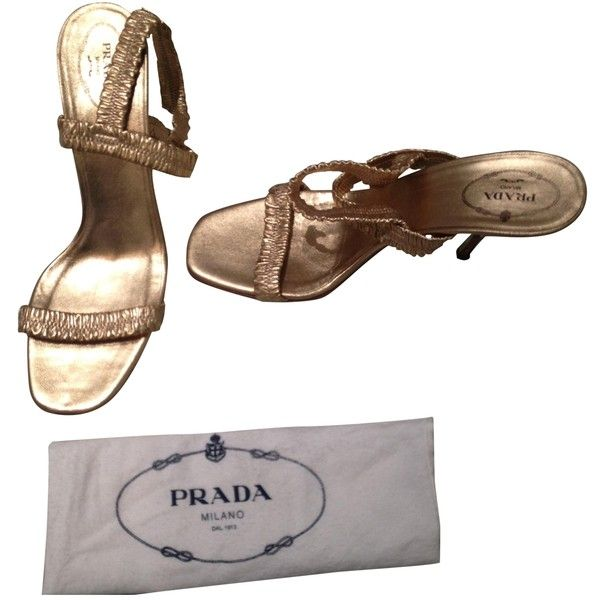 Pre-owned PRADA Gold Plastic Sandals (£257) ❤ liked on Polyvore featuring shoes, sandals, gold sandals, yellow gold shoes, pre owned shoes, plastic sandals and prada