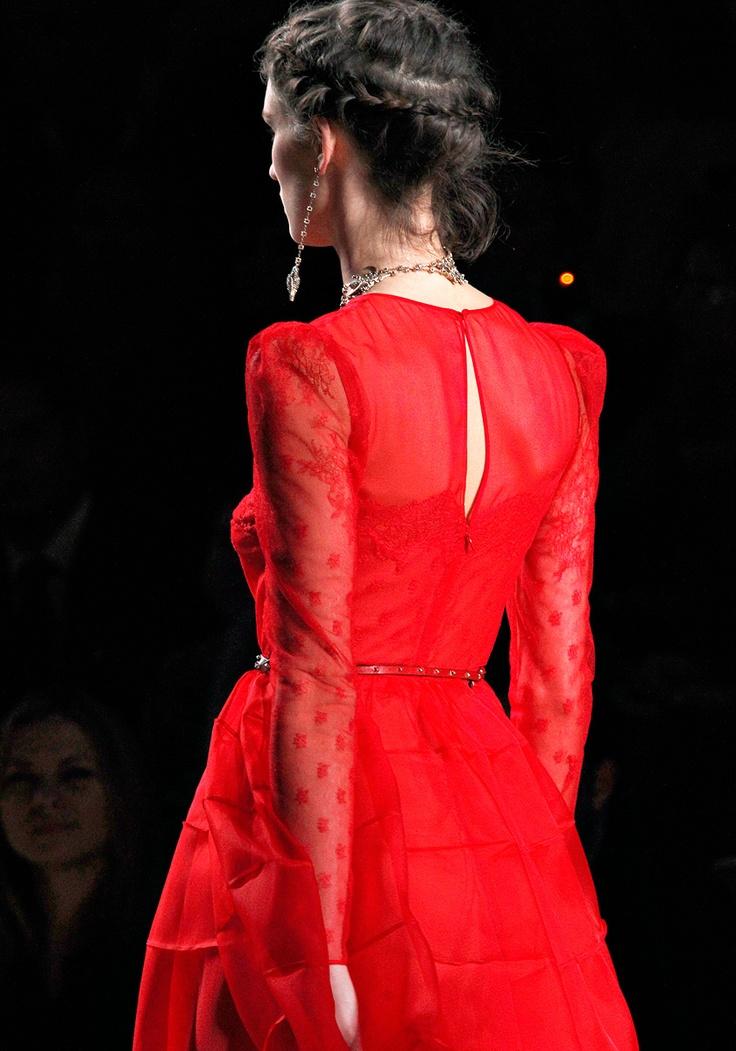 Valentino - Spring 2012 RTWValentino S2012, Valentino Red, Red Valentino, Red Dresses, Valentino Spring, Valentino Dresses, Fashion Runway, Spring 2012, Fashion Red