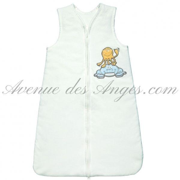 Un cocon de douceur pour le sommeil de bébé http://www.avenuedesanges.com/fr/noukies-bill-et-bono/3353-gigoteuse-70-cm-5413042459227.html