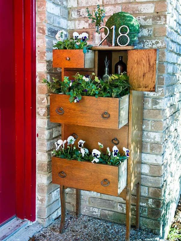 Make a Front-Porch Planter From Repurposed Furniture | Awesome Old Furniture Repurposing Ideas for Your Yard and Garden
