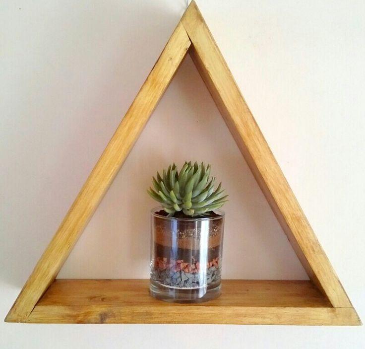 Triangulo de madera colgante más terrario