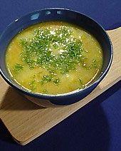 Zupa kalafiorowa z kaszą manną.