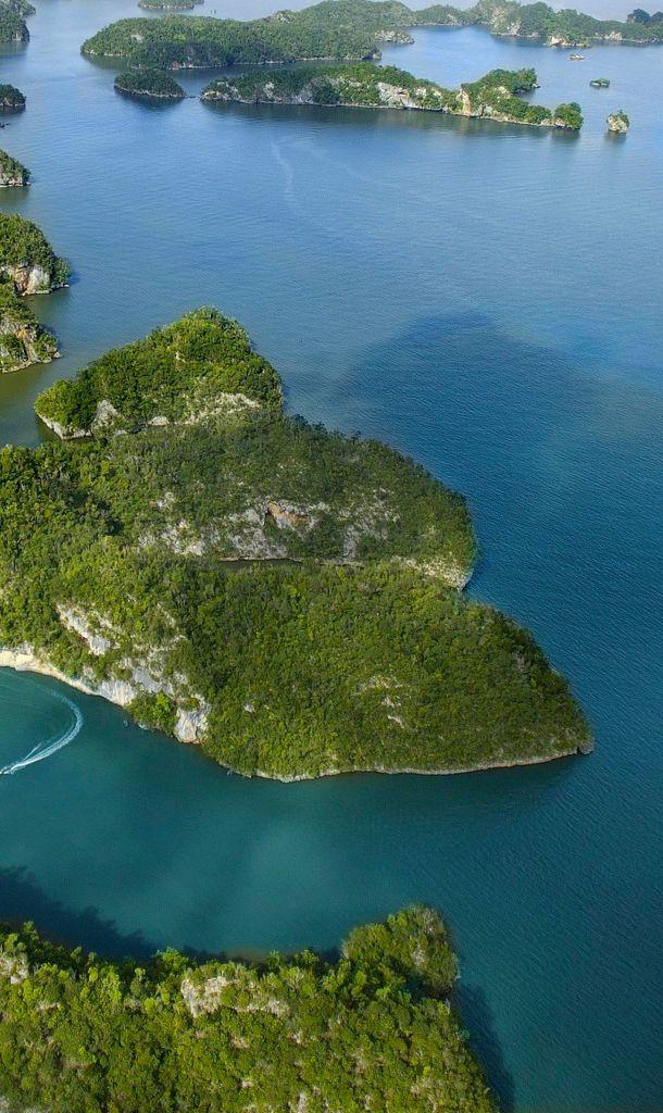 Samaná Peninsula: Dominican Republic