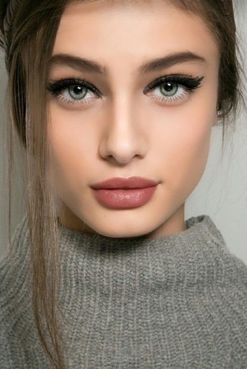 35 Most Popular Christmas Makeup Ideas You Must Try