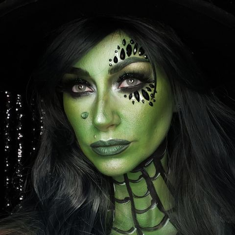 this witch halloween makeup is ridiculously easy and