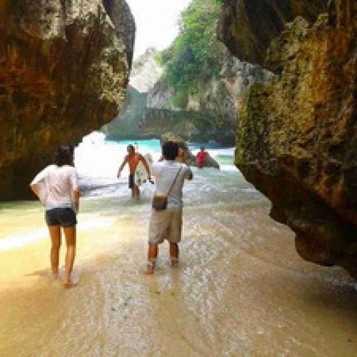 Suluban beach maybe is one from many beaches which can be found in Bali. Nevertheless, there is no question that people really have to visit Suluban beach