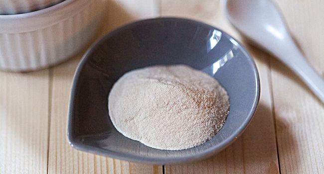 L'agar agar viene utilizzato come gelificante naturale in molte preparazioni soprattutto nella cucina vegetariana e vegana e non ha alcun impatto calorico.