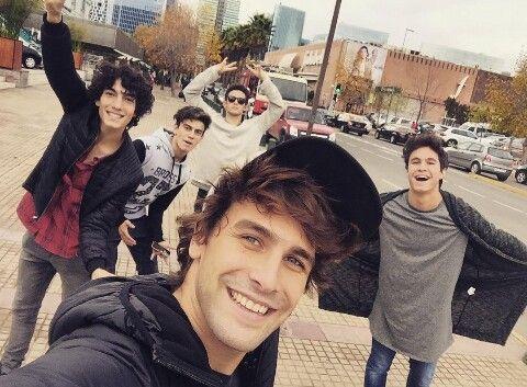 Michael Ronda y el elenco en Santiago de Chile    Simón