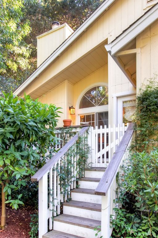 VRBO.com #4041426ha - Delightful 3BR Sonoma Cottage W/Wifi, Large Private Yard & Spacious Deck - Situated in the Heart of California's Wine Country! Close Proximity to Several Impressive Wine Regions!