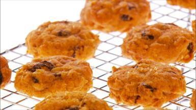 "Giada ""Healthy"" Spiced Pumpkin Raisin Cookies"