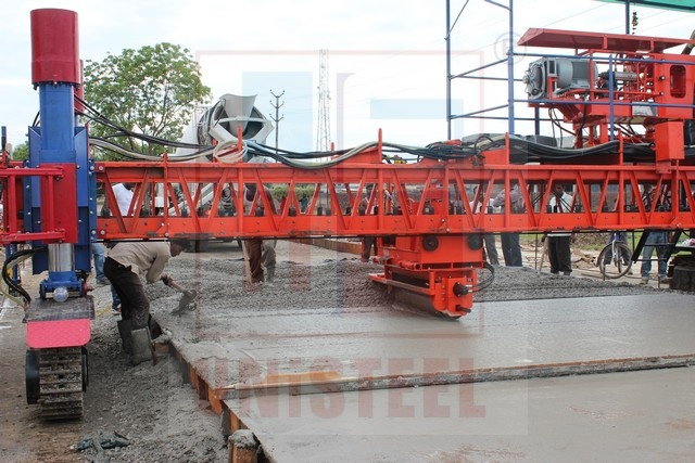 UNiSTEEL SRCP 750 Sensor Paver working at Road Project