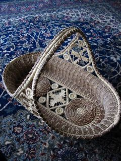Bohemian Pages: Pine Needle Baskets ,I made a basket of pine needles  that looks like this.