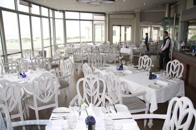 Positioned perfectly with unrivalled views of Table Mountain and Table Bay, Blowfish Restaurant is one of Cape Town's finest seafood and sushi restaurants. Windows spanning the length of the restaurant allow guests to enjoy the magnificent views, fresh ocean breeze and sound of the Atlantic Ocean.