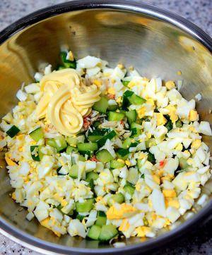 カニリングサラダ by manngo | レシピサイト「Nadia | ナディア」プロ ... ボールにカニ缶とみじん切りのゆで卵 胡瓜 マヨネーズを入れ塩 胡椒入れて混ぜる