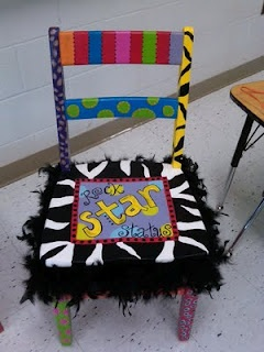 Another great idea for the classroom... The writers chair!  Or make it the Mascot of the week chair!