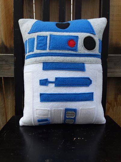 r2d2 star wars pillow cushion - cute idea for a Star Wars Party decoration