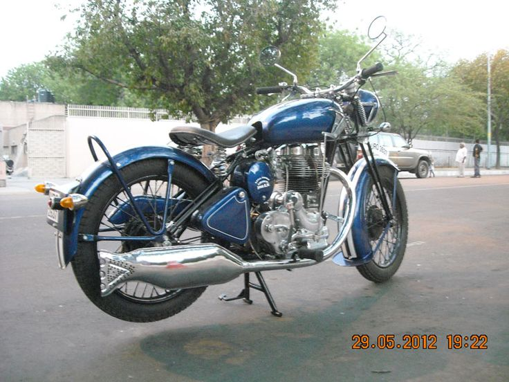 Customized Royal Enfield Bullet with Hand Gear System
