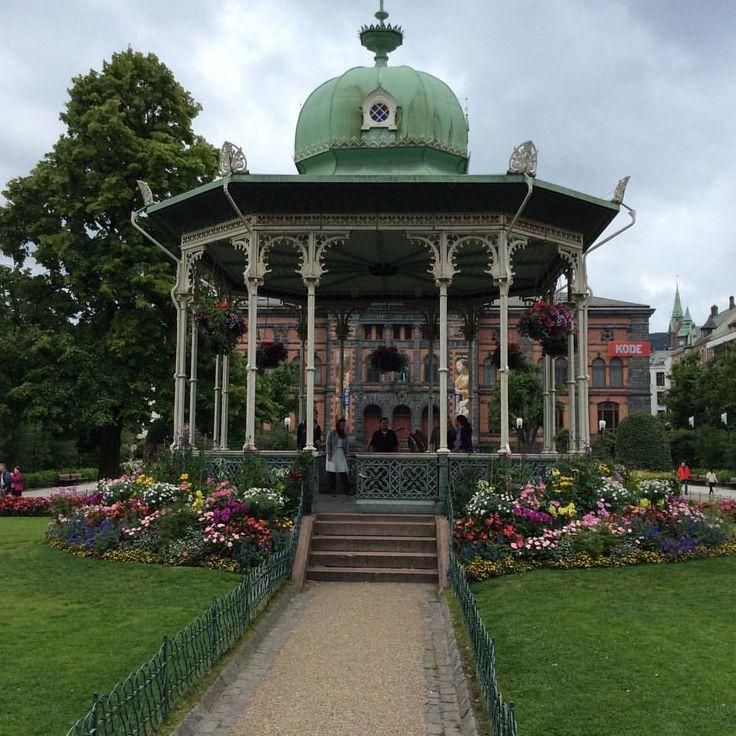 Face-it — Like old times! #pavilion #garden #park #flowers...