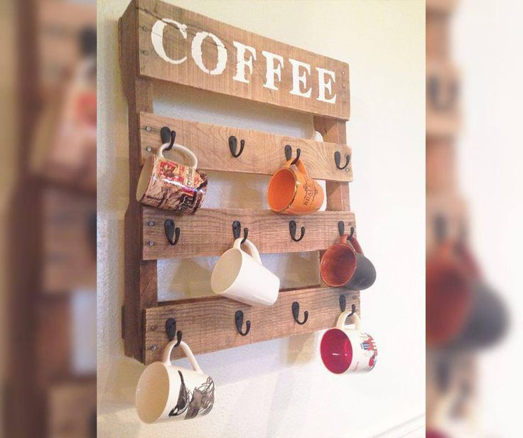 #WeekendWarrior #diy - Before you throw out those old pallets, with a little bit of fixing and hooks, you can have this stunning coffee cup holder! #Recycle #WillowsKitchens